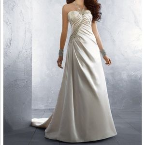 Alfred Angelo Wedding Gown Size 16